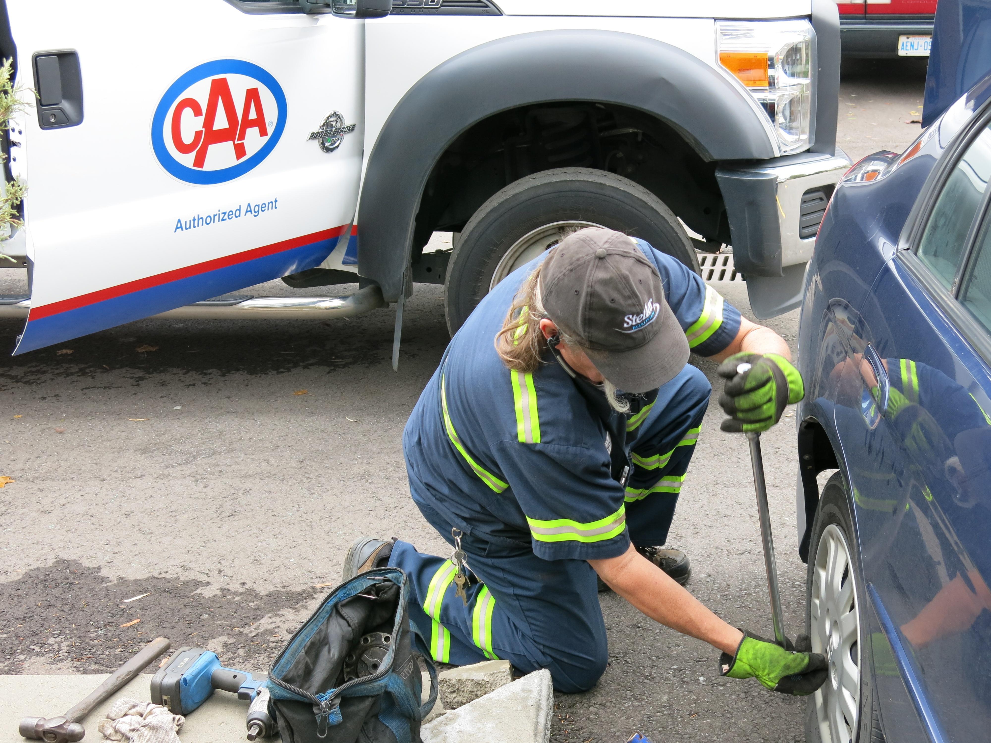 CAA-changing-a-flat-tire.jpg